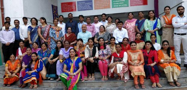 sisodia-interacting-with-the-students-teachers-on-teachers-day